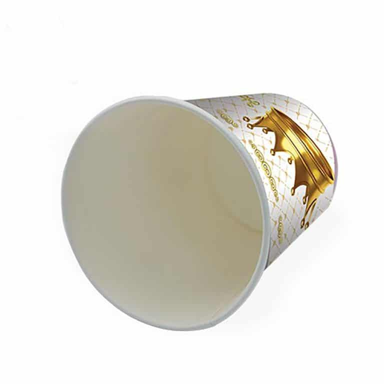 پیش دستی و لیوان تم تولد تاج طلایی سفید مدل STBT286